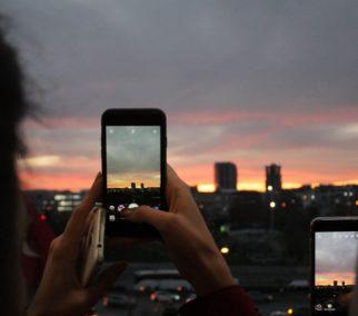 Pourquoi la vidéo verticale s'impose sur tous les réseaux sociaux ?